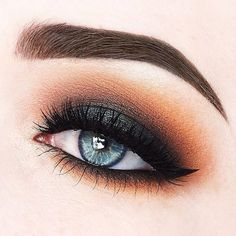 This unexpected combination of colors puts a seasonal twist on the classic smoky eye. The stunning look by @beautycloudnl showcases Makeup Geek eyeshadows in: Shimma Shimma Peach Smoothie Chickadee Frappe Cocoa Bear Mocha Corrupt Envy Starry Eyed (foiled) Houdini (foiled) #makeupgeekcosmetics #teamMUG #makeupgeek #makeup