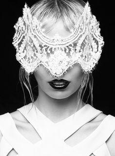Source: strangelycompelling #mask