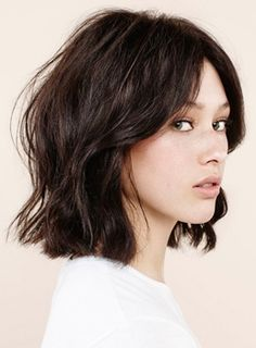 Hair hair styles hair color hair cuts hair color ideas for brunettes hair color ideas My Hairstyle, Pretty Hairstyles, Asian Hairstyles, Hairstyles Haircuts, Choppy Bob Hairstyles Messy Lob, Bob Hairstyles Brunette, Brunette Haircut, Female Hairstyles, Spring Hairstyles