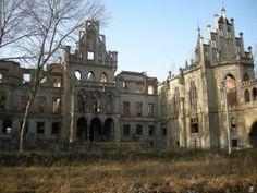 Zamek-pałac rodziny Schaffgotsch w okolicy Sulislaw.pl Notre Dame, Mansions, House Styles, World, Building, Travel, Home, Viajes, Manor Houses