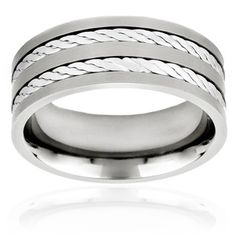 The double rope inlay look of this men's ring gives it a rugged look.