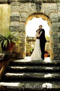 Valeria and Jacques chose to do their #wedding pictures at #Vizcaya