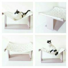 Amaca per gatti _ Colore rosa cipria con di labottegadigiorgix Cat Furniture, Table, Home Decor, Pink, Decoration Home, Room Decor, Tables, Home Interior Design, Desk