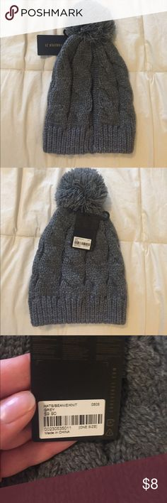 Forever 21 grey knit beanie with Pom Pom NWT Forever 21 grey knit beanie with Pom Pom NWT non smoking Forever 21 Accessories Hats