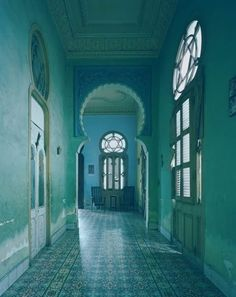 My physical yearning to visit Cuba is immeasurable. The colors, the decay, the architecture. But, it is the Cuba in its current time capsule. Magic Places, Color Secundario, Design Color, Design Design, Green Interior Design, Modern Interior, Azul Tiffany, Green Rooms, Bedroom Green