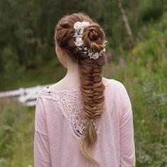 "2,678 Likes, 17 Comments - Mia & Linda (@aurorabraids) on Instagram: ""Hair vine from @lottiedadesigns """