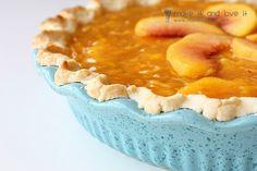 homemade peach pie...recipe No Cook Desserts, Delicious Desserts, Yummy Food, Peach Pie Recipes, Snack Recipes, Dessert Recipes, Snacks, Baked Peach, Pumpkin Dessert