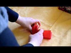 Piegare i tovaglioli di Natale - YouTube