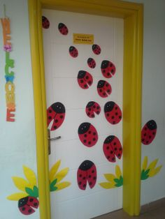 projects to try Preschool Door Decorations, School Decorations, Kids Decor, Classroom Ceiling, Classroom Door, Classroom Themes, Diy And Crafts, Crafts For Kids, Classroom Calendar