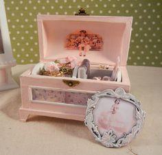 Dollhouse Miniature Scene  Pretty Little Antique by gillianokelley, $68.20