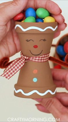 Easy Christmas Decorations, Christmas Crafts For Kids To Make, Christmas Ornament Crafts, Simple Christmas, Kids Christmas, Kids Crafts, Christmas Art Projects, Diy Christmas Activities, Gingerbread Man Decorations