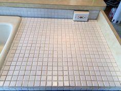Tile countertops as a base for DIY feather finish concrete counters Diy Concrete Countertops, Tile Counters, Laminate Countertops, Countertop Materials, Kitchen Counters, Kitchen Tile Diy, Concrete Kitchen, Concrete Tiles, Kitchen Ideas