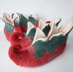 Elf slippers set of 2- women men Elf slippers-felted wool slippers-felt wool house shoes-felted slippers natural-felt Elf booties red green by WoolHome on Etsy