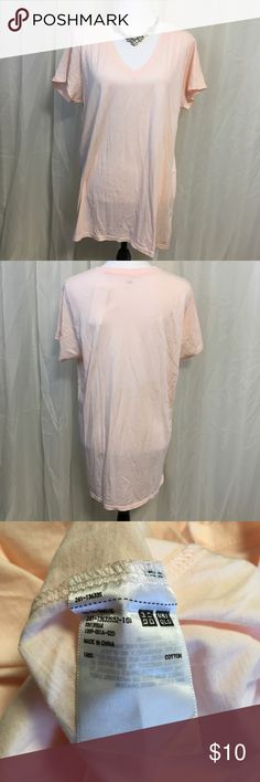 Uniqlo Top Uniglo Supima Cotton Short Sleeve Tee. Peach color. New with tags. Size XL. 🚫No trades. 🚫No Modeling. 🚭 Smoke-free home. 📐 Available upon request. ✅All reasonable offers accepted. 💕Thank you for viewing my item.  Sku#13d0c Uniqlo Tops Tees - Long Sleeve