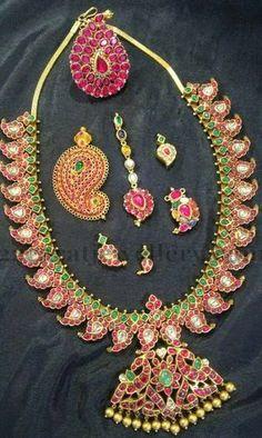 Jewellery Designs: Manga Haram Tikka Earrings