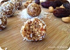 Dates et cashew energy balls