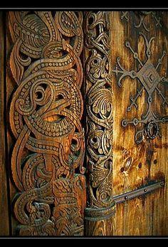 Резьба по дереву в ранних скандинавских церквях