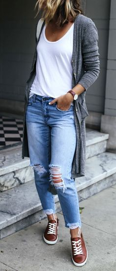 travel outfit with distressed boyfriend jeans, brown leather sneakers, and gray cardigan. *Cute outfits that look great w/ sneakers for travel & everyday. Stylish Summer Outfits, Fall Outfits, Casual Outfits, Casual Jeans, Dress Casual, Jeans Style, Late Summer Outfits, Classic Outfits, Comfortable Outfits