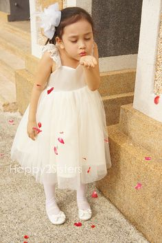 Ivory flower gril dresses Rustic Flower Girl by Happy2sisters