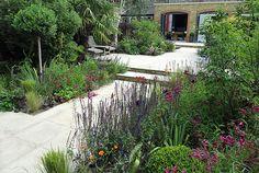 London based Garden Designers, Josh Ward Garden Design, creates a Contemporary Garden Design in London Back Gardens, Small Gardens, Landscape Architecture, Landscape Design, Contemporary Garden Design, Pinterest Garden, Design Jardin, London Garden, Garden Steps