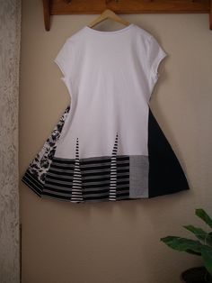 Lagenlook Tunic/ Black White Upcycled T Shirt by CycleOnStitches