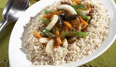 In nur 30 min kannst du dir eine leckere chinesische Gemüsepfanne zubereiten. Dafür brauchst du neben knackigen Möhren und bunten Paprikaschoten noch eine aromatische Fenchelknolle – und los geht's!