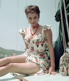 Sophia Loren: This Italian actress looks completely stunning in this shot and she continues to turn heads today!  Source: Flickr User John McNab
