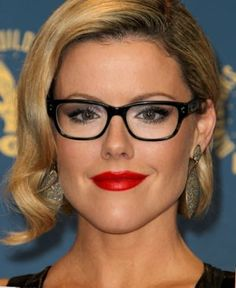 21 Celebrities Who Prove Glasses Make Women Look Super Hot