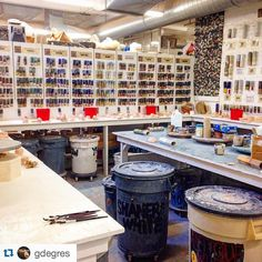 Yesterday I visited the @lillstreet Art Center for the first time. It was AMAZING! I go to such a little studio in comparison to Lillstreet that when I saw the glaze room... i shed a tear. And Im not joking. It was inspiring and humbling for me  Im so lucky to see places like this!! #potter #pottery #potters #clay#stoneware #studio #gres #ceramica #ceramics #ceramicagres #ceramista