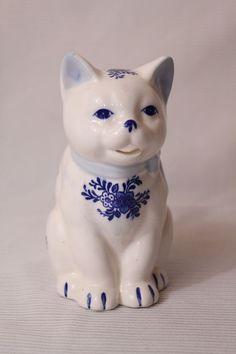 Vtg Tabby Cat Creamer/ Planter/ Pitcher Porcelain Blue & White Mint Condition