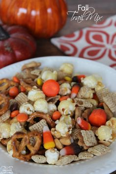 Fall Trail Mix Recipe! Love this Fall Snack Recipe for Halloween or Thanksgiving!