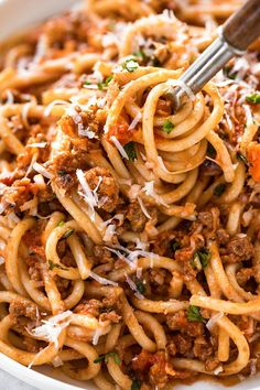 A rich, hearty bowl of this spaghetti bolognese, prepared with ground beef and o. - A rich, hearty bowl of this spaghetti bolognese, prepared with ground beef and other classic ingred - Spaghetti Recipes, Pasta Recipes, Beef Recipes, Chicken Recipes, Dinner Recipes, Cooking Recipes, Healthy Recipes, Soul Food Recipes, Homemade Spaghetti