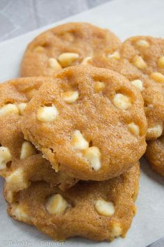 Pumpkin Spice White Chocolate Chip Cookies - These soft & chewy pumpkin cookies are full of white chocolate chips, and pumpkin pie spice. You will want these around for the entire fall and winter season.