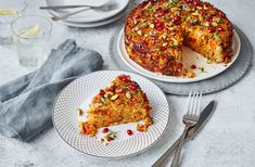A show-stopping nut roast is a fantastic alternative to a meat main course or traditional Christmas dinner. See more Vegan recipes at Tesco Real Food.