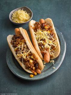 Chili-Dog Hot Dog Buns, Hot Dogs, Taco Salat, Toast Sandwich, Chili Dogs, Mexican Food Recipes, Ethnic Recipes, Finger Foods, Sandwiches