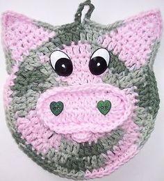 Crochet Pig Potholder made by Linda Weddle