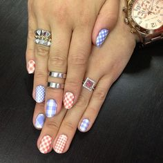 Love these gingham nails for summer! Pose by triplyksis