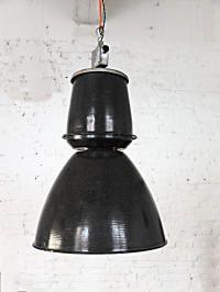 NEW OBJETCTS: Zwei klassische Fabriklampen / Industrielampen aus der Tschechoslowakei