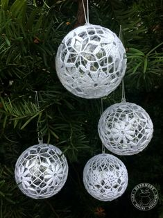 Set of 4 Christmas decoration Lace crochet balls Christmas tree ornament White baubles Wedding decor Gift ideas Table centerpiece for party Christmas Scenes, Christmas Tree Ornaments, Christmas Diy, Ornaments Ideas, Beautiful Christmas Decorations, Wedding Decorations, White Baubles, Rustic Wedding Gifts, Crochet Ball