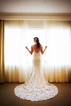 Gorgeous low back wedding dress