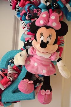 Minnie Mouse Ribbon Wreath (81)