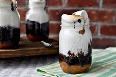 Smore's cake in a jar (and 50 other jar recipes)