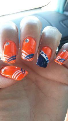 Make an original manicure for Valentine's Day - My Nails Football Nail Designs, Football Nail Art, Hot Nails, Hair And Nails, Fancy Nails, Pretty Nails, Denver Broncos Nails, Sports Nail Art, Tiger Nails