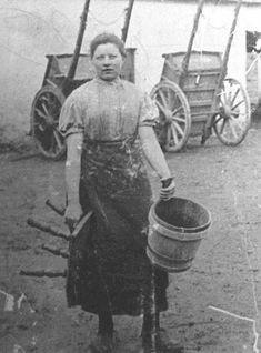 Dairymaid c. 1900. Leatherland Family Biographies - Leatherland Ancestry