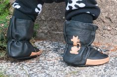 Riinun Tossutehtailua - mahtavat nahkatöppöset! Flip Flops, Kids Outfits, Sandals, Sewing, Men, Clothes, Shoes, Fashion, Outfits