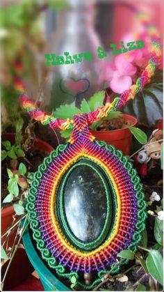 Collar Mandala Multicolor en Macrame con Jaspe Verde  por Mahwu