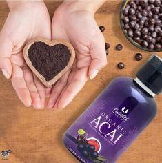 Az acai bogyó nagyon gazdag szerves növényi fehérjében, ami emésztéskor nem termel koleszterint, könnyebben lebontható és szállítható az izmokhoz. Az acai gazdag szénhidrátokban is, amely rengeteg energiát adhat a munkához, sportoláshoz is. Az acai bogyók proantocianidin tartalma (egy antioxidáns vegyület) arányait tekintve 10-30- szorosa a vörösborban található antocianidoknak. Az acai gyümölcs segíthet megteremteni az egészséges szív-és érrendszert, az emésztőrendszert.