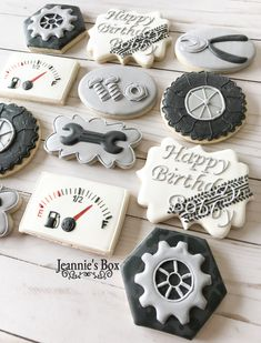 Special cookies for a Birthday. Race Car Birthday, Cars Birthday Parties, 50th Birthday, Race Car Party, Auto Cookies, Cookies Decorados, Birthday Cookies, Graduation Cookies, Royal Icing Cookies