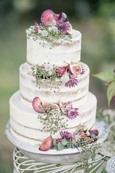 Wedding cake | baby's breath | figs | floral | layered