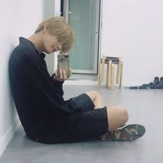 Page 2 Read Compartilhando fotos from the story The House Keeper - Jeon Jungkook by (ArmyForever) with reads. Taehyung Selca, Bts Selca, Jimin, Bts Bangtan Boy, Taehyung Gucci, Taehyung 2017, Bts Boys, Daegu, Fanfiction